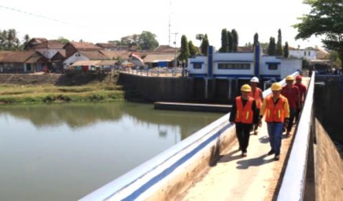 PU Pengairan Banyuwangi Cegah Banjir dengan Normalisasi Sungai