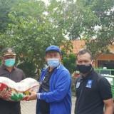 Peduli Warga Terdampak Banjir Bengawan Jero, DPD PAN Lamongan Salurkan 4 Ton Beras