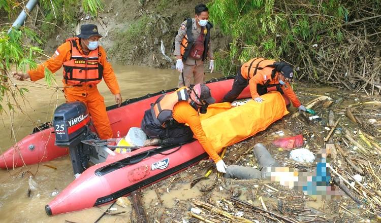 Mayat Wanita Mengapung di Sungai Bengawan Solo Gegerkan Warga Tuban
