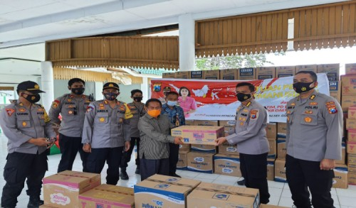 Bantuan dari Polda Jatim dan Bhayangkari Mendarat Tepat Sasaran untuk Korban Gempa Sulbar