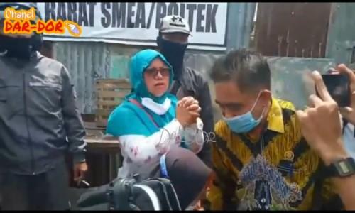 Sidak Pasar Induk Bondowoso, Komisi II Disambut Isak Tangis Pedagang, Minta Pasar Sore Tatap Ada