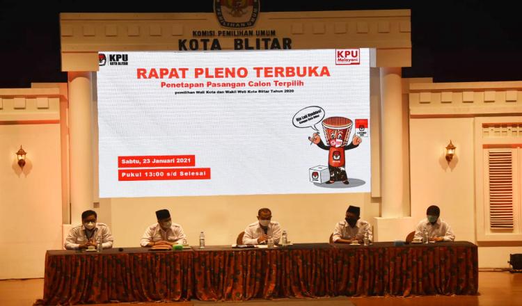 KPU Kota Blitar Tetapkan Pasangan Santoso - Tjutjuk Pemenang Pilwali Kota Blitar 2020