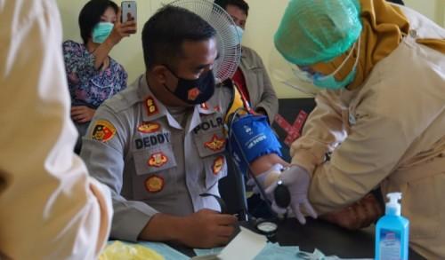 Demi Kemanusiaan, Kapolresta Mojokerto Ikuti Skrining Donor Darah Plasma Konvalesen