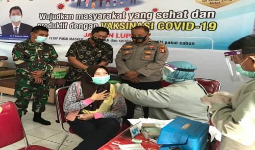 Koramil 0909-07/Teluk Pandan Sukseskan Pemberian Vaksin Perdana Bagi Nakes