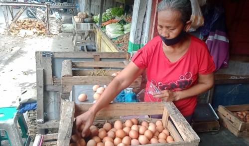 Menjelang Imlek, Harga Telur di Jombang Masih Stabil