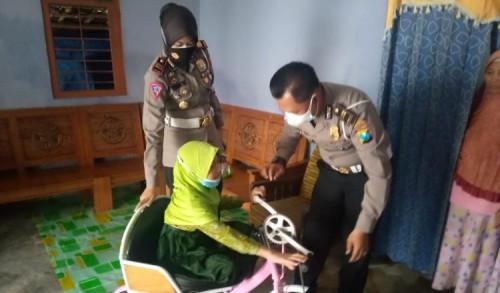 Kasatlantas Lamongan Wujudkan Mimpi Anak Disabilitas Miliki Sepeda Baru