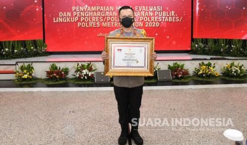 Polres Gresik Raih Penghargaan Pelayanan Prima dari Kemenpan-RB