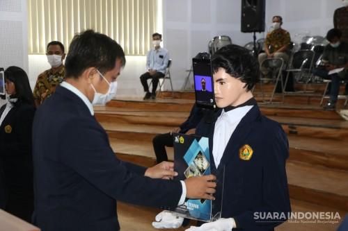 Fakultas Teknik Unej 'Yudisium' Robot