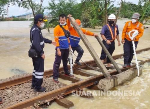 Dampak Cuaca Ekstrim, Sejumlah Perjalanan Operasional KA Wilayah Daop 2 Dibatalkan