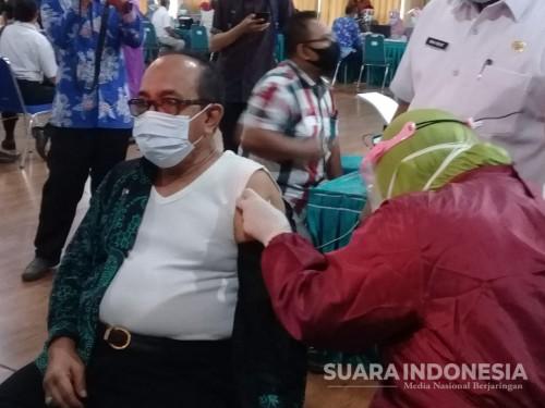 Sempat Gagal, Plh Bupati Situbondo Akhirnya Ikuti Vaksinasi Covid-19
