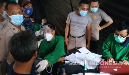 Ratusan Personel Polresta Banyuwangi Jalani Vaksinasi Covid-19