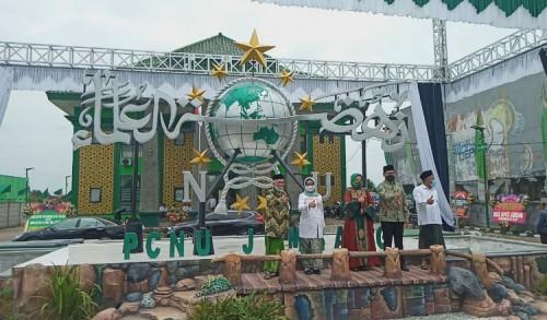 Mendes PDTT Resmikan Logo NU Terbesar di Indonesia