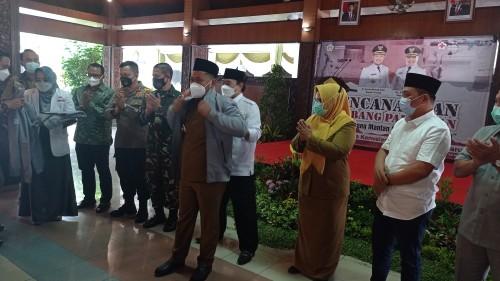 Launching 99 Hari Kerja, Bupati Gresik Fandi Akhmad Yani Ajak 'Alumni' Covid-19 Jadi Pahlawan