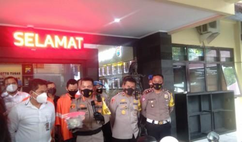 Dua Pelempar Mobil Polisi di Malang Ditangkap, Sakit Hati Balapan Liar Digagalkan