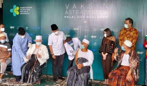 Vaksin AstraZeneca Dinilai Aman, PWNU Jatim Wajibkan Umat Islam Ikuti Vaksinasi