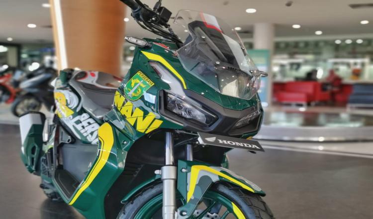 MPM Honda Jatim Kembali Lelang Motor Honda ADV150 Modif Persebaya