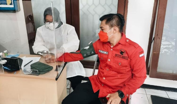 Fraksi PDIP Surabaya Minta Pemkot Percepat Vaksinasi Terhadap Guru dan Tenaga Pendidik