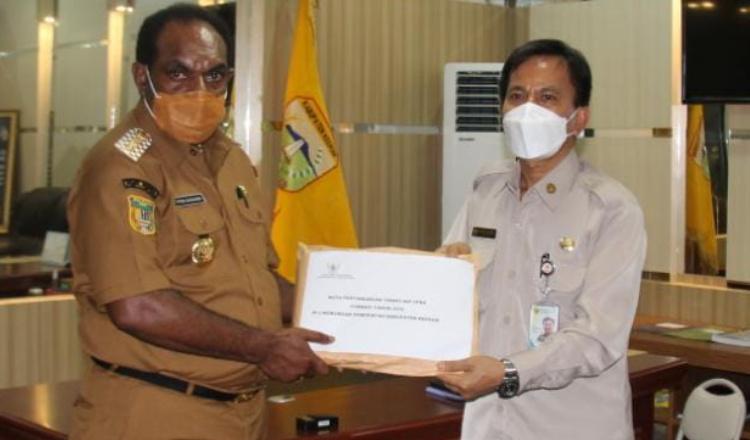 BKN Papua Serahkan Nota NIP CPNS Formasi 2018 Pemkab Keerom