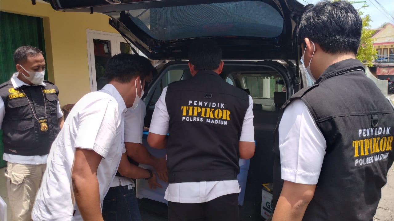 Tersandung Korupsi, Rumah Kades Kaligunting Digeledah Unit Tipikor Satreskrim Polres Madiun