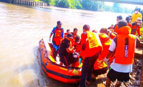 Selama Tiga Hari Pencarian Pelajar Tengelam di  Mojoagung Jombang Akhirnya Ditemukan