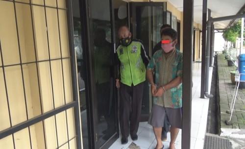 Gelap Mata Pria Asal Mojowarno Bawa  Kabur Barang Belanja Orang di Pasar Mojoagung Jombang