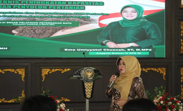 Anggota Komisi IV DPR RI Neng Ema Inginkan Petani Muda Milenial di Jombang Bangkit