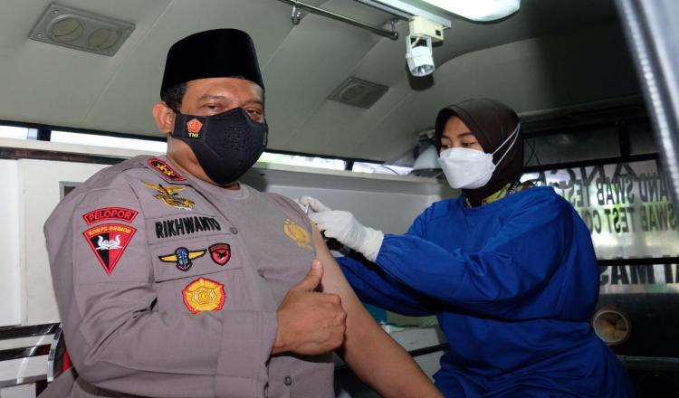 Resmikan Mobil Drive THRU Hingga Terima Vaksinasi Covid-19 Tahap 1, Begini Pesan Kapolda Kalsel!