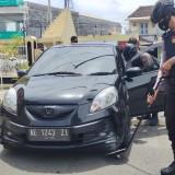 Perketat Penjagaan, Anggota Shabara  Periksa Mobil dan Sepeda Masuk ke Halaman Polres