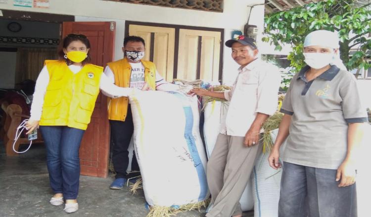 Ketua Golkar Banyuwangi Instruksikan Kader Beli Beras Langsung pada Petani