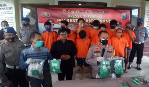 Dalam Sebulan, Polisi Banyuwangi Ungkap 24 Kasus Narkotika dengan 32 Tersangka
