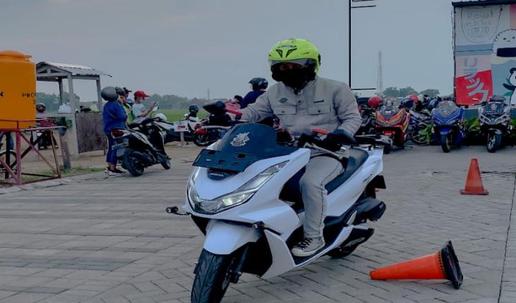 Mbois, PCX160 City Riding HPCI Surabaya dan Sidoarjo Bareng Ning Surabaya 2018