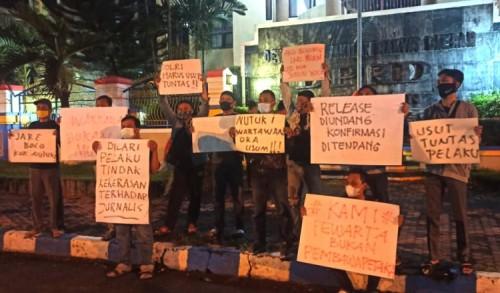 Aksi Solidaritas Jurnalis Ponorogo, Kecam Pelaku Penganiayaan Wartawan di Surabaya
