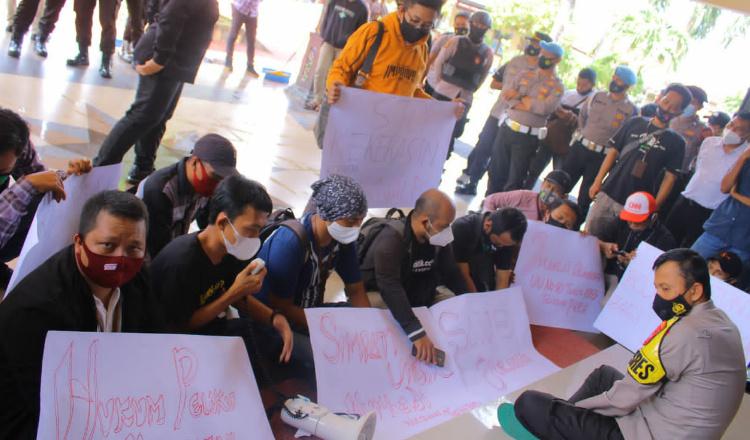 Wartwan Sumenep Terus Desak Polres Sumenep Atas Kasus Kekerasan Wartawan Tempo
