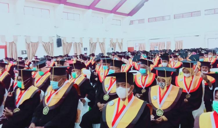 Hari Pertama, Univeristas Khairun Ternate Wisudakan 500 Mahasiswa