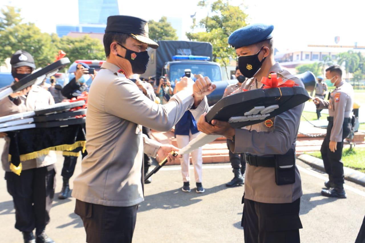 Polda Jatim Dapat Bantuan 26 Unit Kendaraan dari Pemprov Jatim
