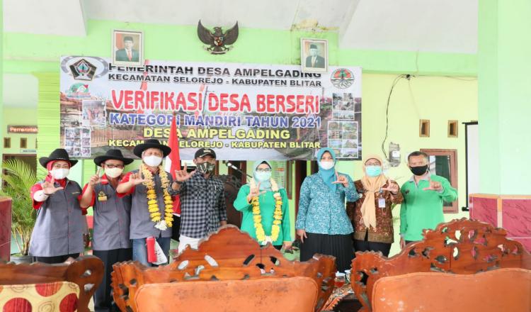Pantau Proses Verifikasi di Ampelgading, Bupati Blitar Bidik Predikat Desa Berseri Tingkat Mandiri