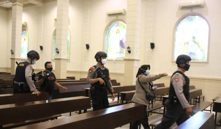Antisipasi Ganguan Kamtibmas, Polres Jember Sterilkan Gereja Katolik Santo Yusup