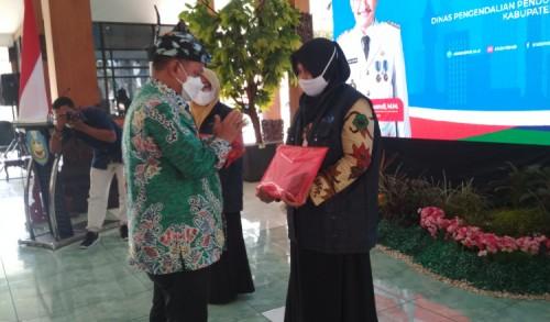 Bupati Situbondo Lepas Ratusan Kader Pendataan Keluarga Tahun 2021