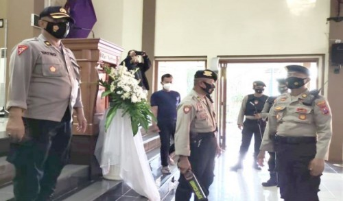 Jelang Perayaan Misa, Polres Situbondo Setirilisasi Gereja Katolik Maria Bintang Samudera