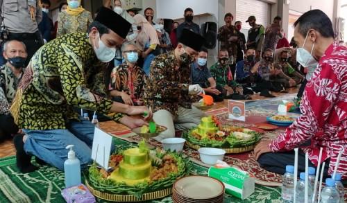 Resmi Dibuka, Gus Ipin Ingin Pasar Pon Trenggalek Jadi Pasar Wisata