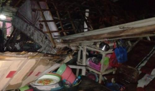 Di Situbondo, Angin Puting Beliung Terjang Desa Demung, 22 Rumah Porak Poranda