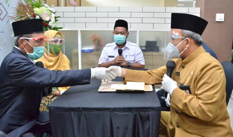 Bupati Gus Yani jadi Saksi Pernikahan Pasangan Duda dan Janda di Gedung MPP