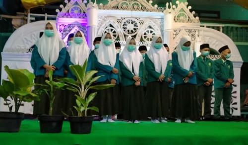 Pondok Pesantren Al-Achyar Banyuwangi Wisuda Puluhan Santri