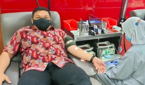 Wakil Sekretaris DPC PDIP Surabaya Ajak Seluruh Kader Donor Darah