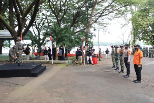 Napak Tilas Dan Kibarkan Bendera Merah Putih Raksasa Awali Latgab SAR Di Madiun