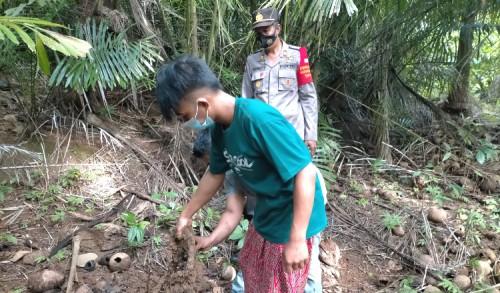 Hilangkan Jejak, Pemuda Bawean Kubur Onderdil Motor Hasil Curian