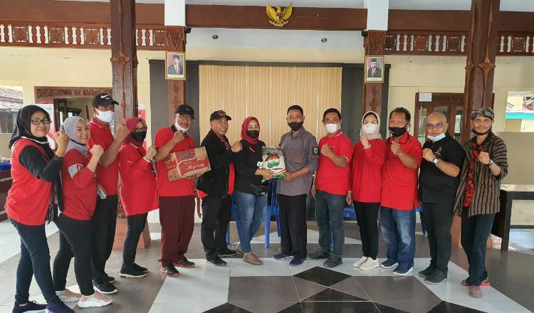 Ketua DPP PDI Perjuangan Kunjungi Korban Gempa di Malang