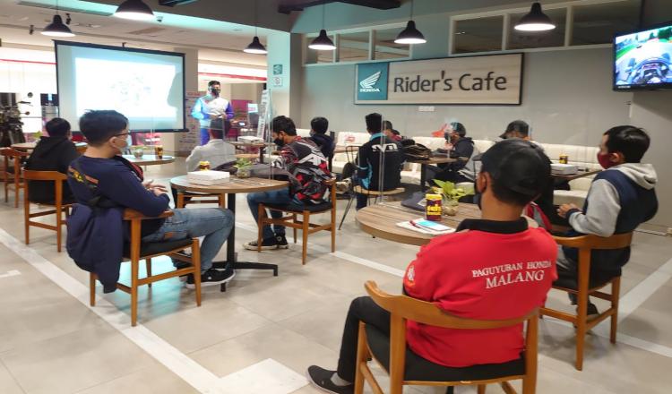 Paguyuban Honda Malang Kopdargab di MPM Cafe Riders