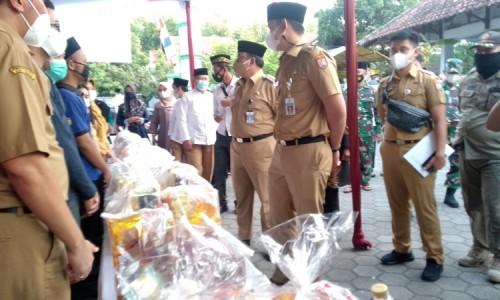 Bupati Kendal Ingatkan Pengunjung Bazar Untuk Tetap Patuhi Prokes dan Jaga Jarak