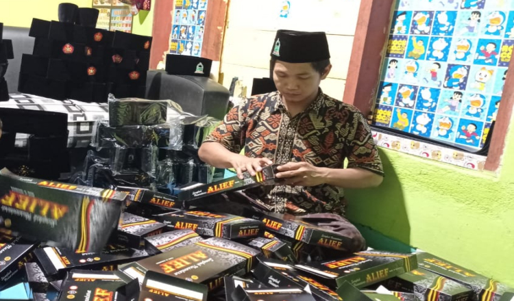 Berkah Ramadhan, Pengrajin Songkok Asal Blitar Banjir Pesanan